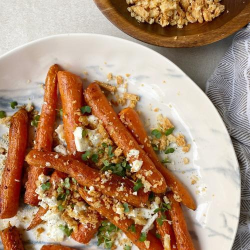Roast Carrots with Cheddar Cheese Crumb